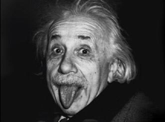 Albert Einstein lingua